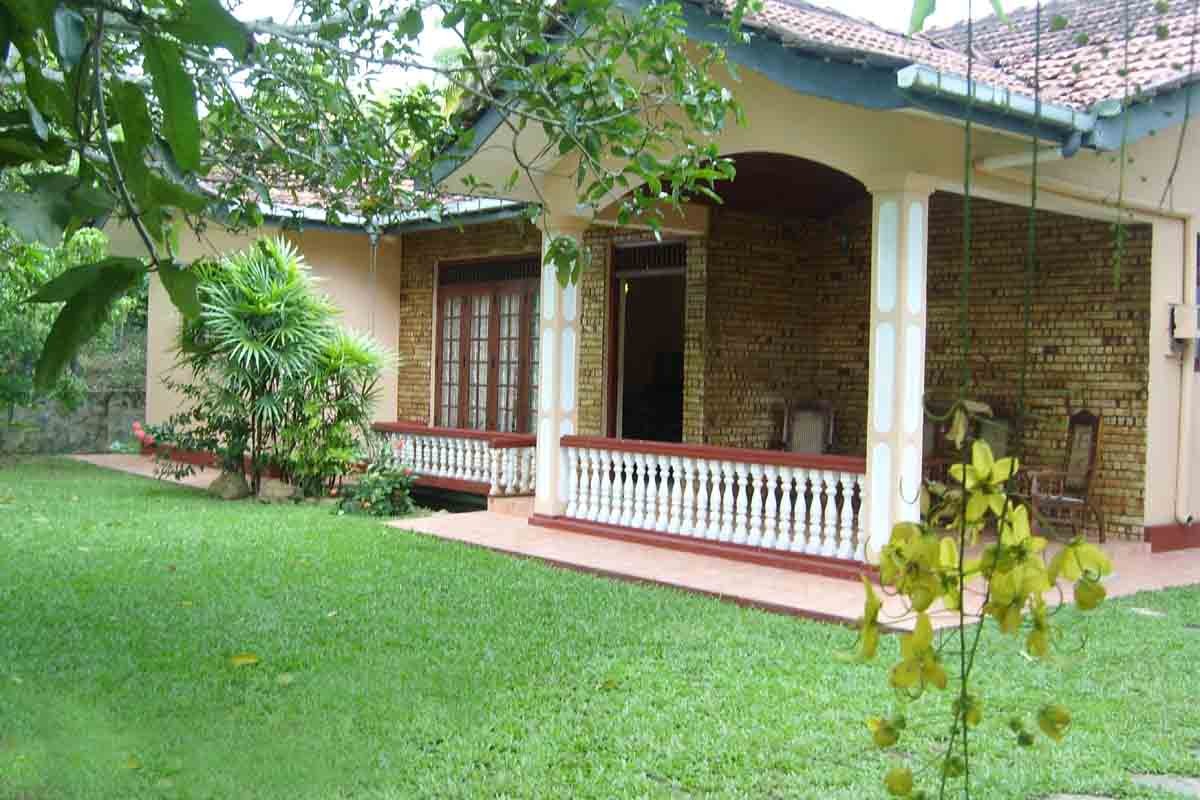 Serviced Villas in Hikkaduwa - Chamo villa's / Luxury House for rent
