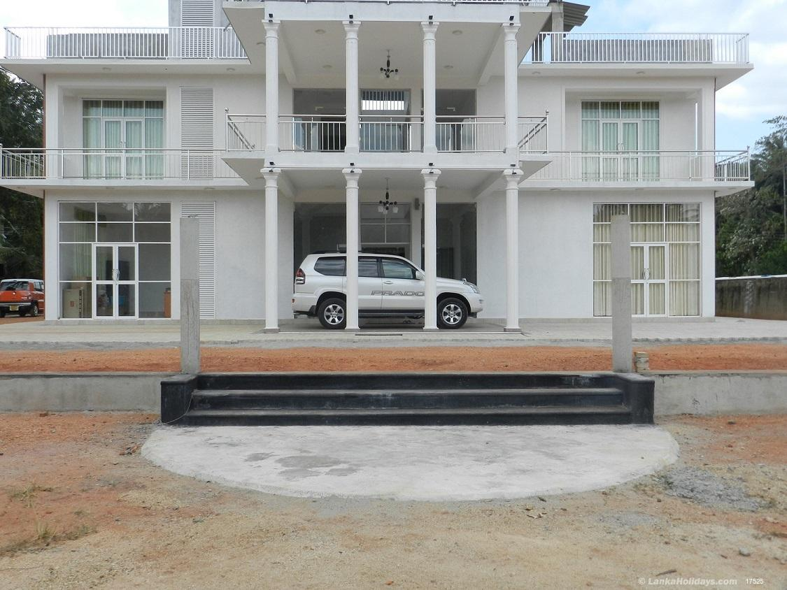 Serviced Guest Houses in Kurunegala - THE PARADISE - KURUNEGALA