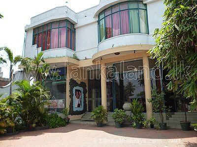 Holiday Hotels in Thihariya - Well Functionong Hotel in