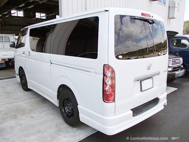 Sri Lanka Van Rentals/Hire - Comforttable Vehicles for Tours