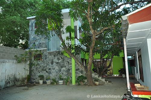Holiday Guest Houses In Ampara Samadara Guesthouse