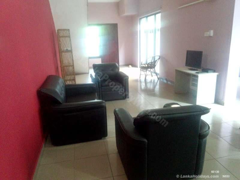 Holiday Apartments In Mount Lavinia Fully Furnished One Bedroom Apartment Close To Beach In