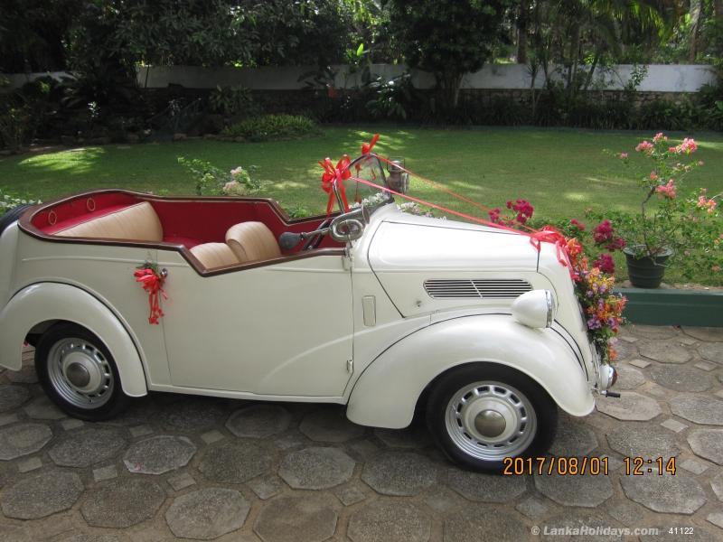Sri Lanka Car Rentals/Hire - Classic vintage car