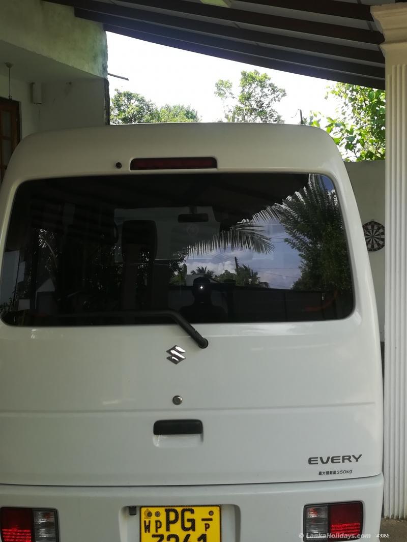 Sri Lanka Van Rentals/Hire - Without driver Suzuki every van for
