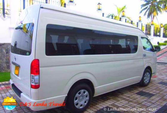 Sri Lanka Van Rentals/Hire - TOYOTA KDH 12 , 14 Seats luxury vans